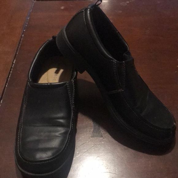 George Shoes | Boys Size 6 Black Dress